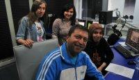 TRT'de yayınlanan ''Sosyal Medya'' programının sunucusu Serdar Kuzuloğlu Sosyalleş programının konuğuydu (7 Mayıs 2012)